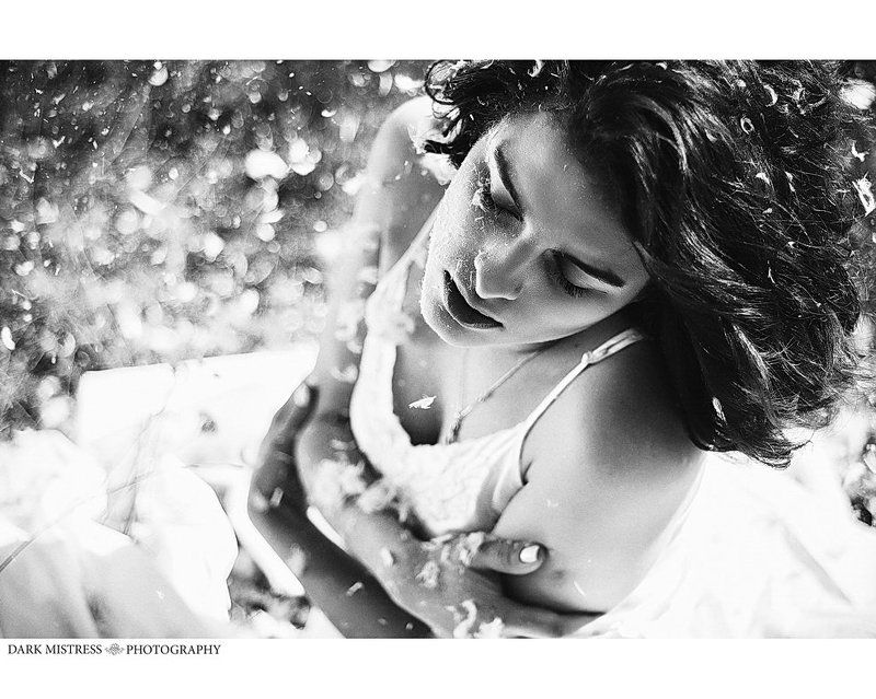 B&W Dreamsphoto preview