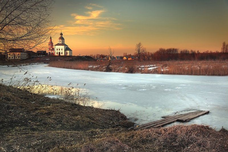 Март, Суздаль, Ильинская церковьphoto preview