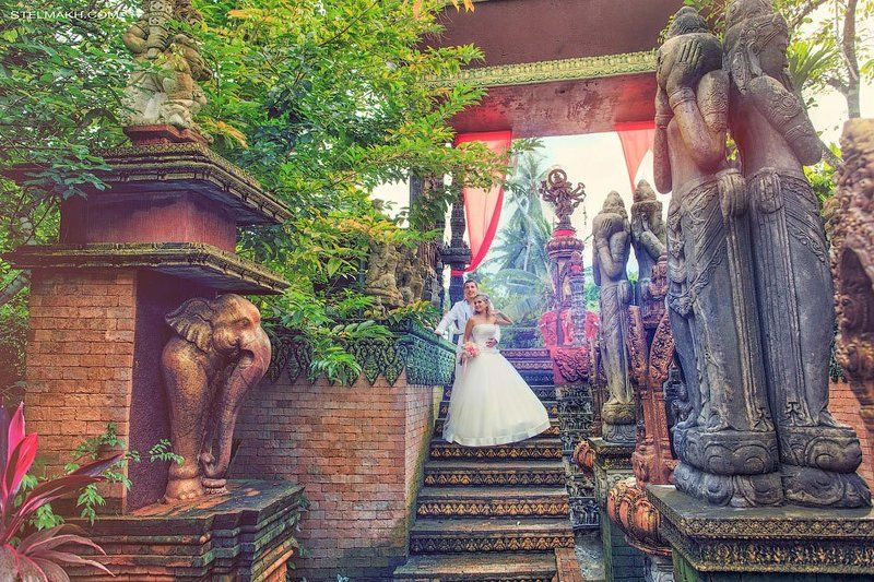 Wedding in old city. Ko Samui.photo preview