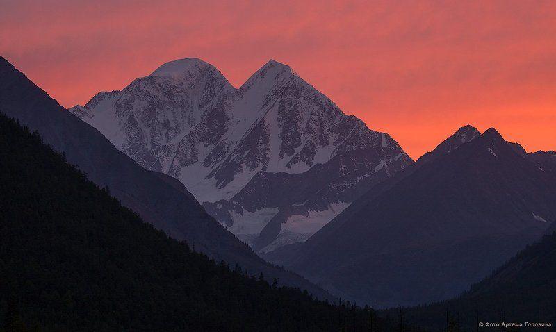 Алтай, Белуха, Иедыгем, Пик делоне Белуха и Делоне на закатеphoto preview