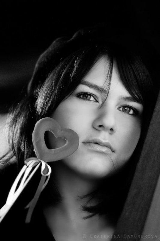 девушка, валентинка, портрет, чб грустная валентинкаphoto preview