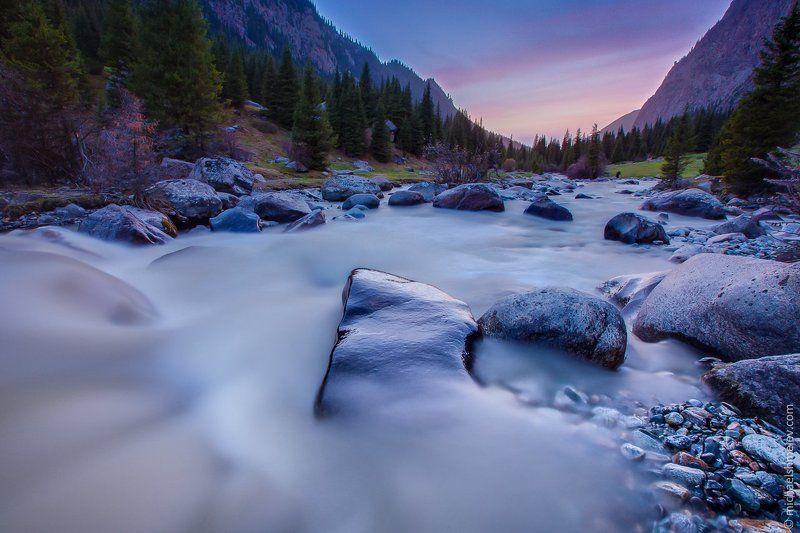 Горы, Закат, Иссык-Куль, Киргизия, Река Реки Киргизииphoto preview
