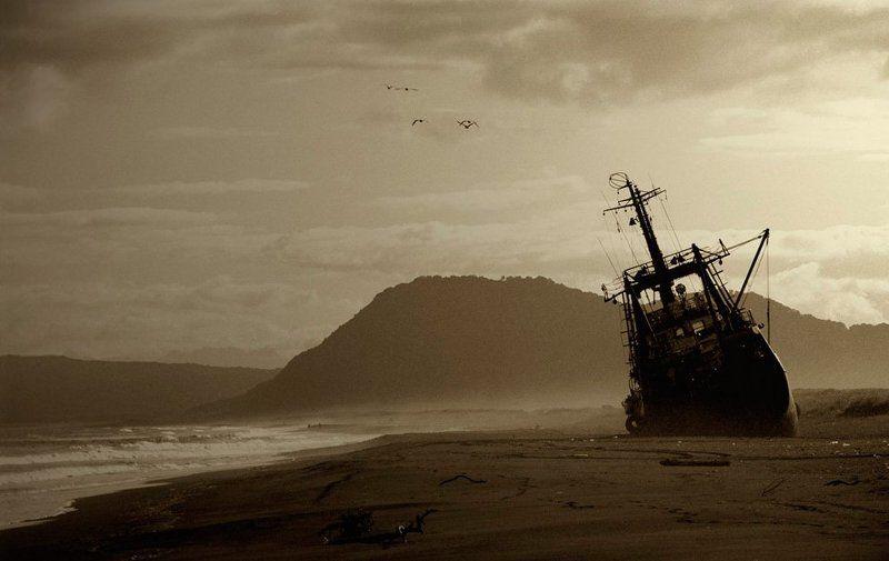 Океаном бредят корабли...photo preview