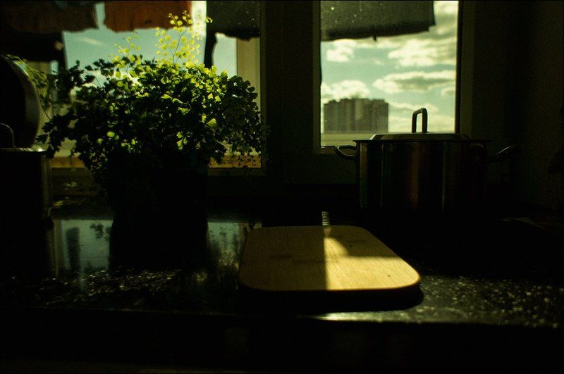 тарбеев, tarbeev, быт, окно, белье, жанр, солнце, небо Быт.photo preview