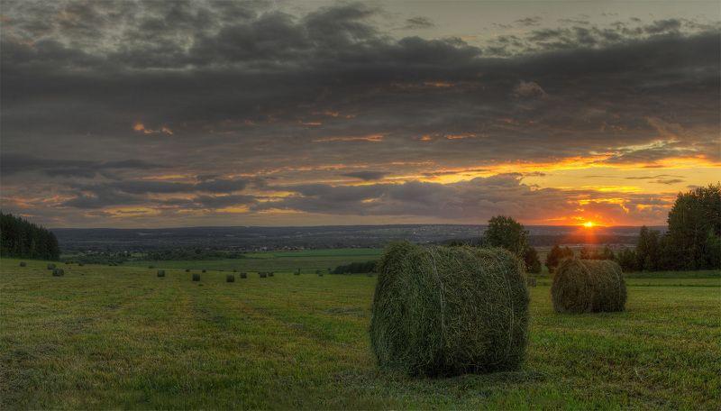 сено, лето, поле, россия, урал, вечер, закат, рассвет, утро, джигурда, безруков Уралphoto preview