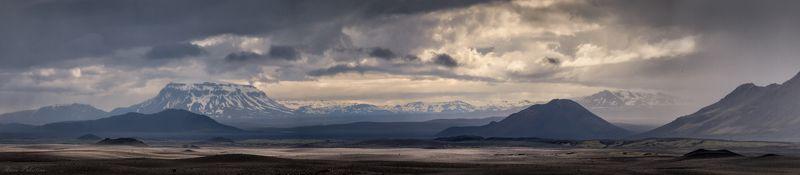 Панорама со спящим вулканомphoto preview
