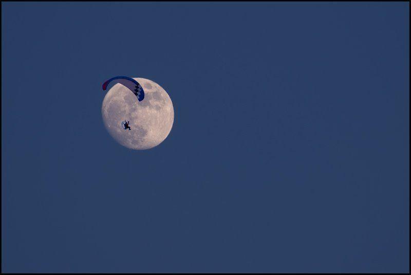 луна, параплан Долететь бы до Луныphoto preview