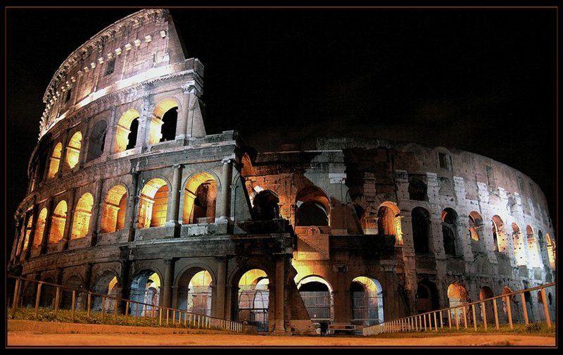 рим, колизей в ночи..photo preview