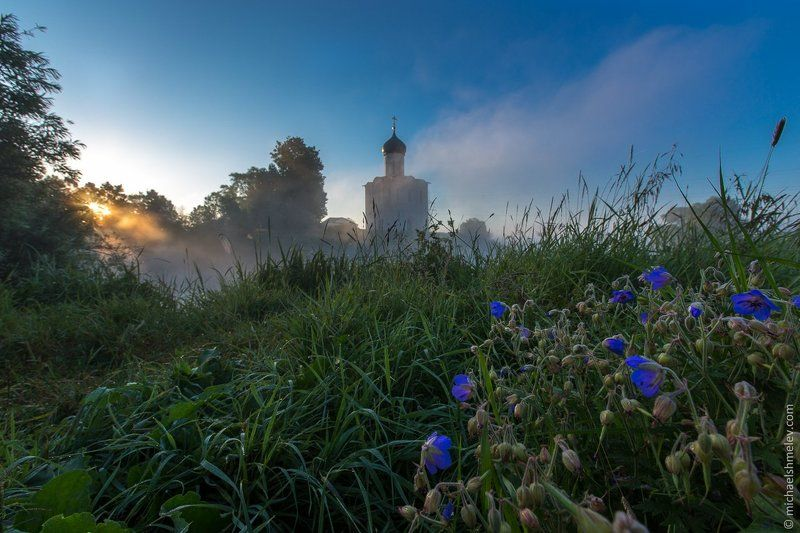 Тайны церкви в Боголюбовоphoto preview