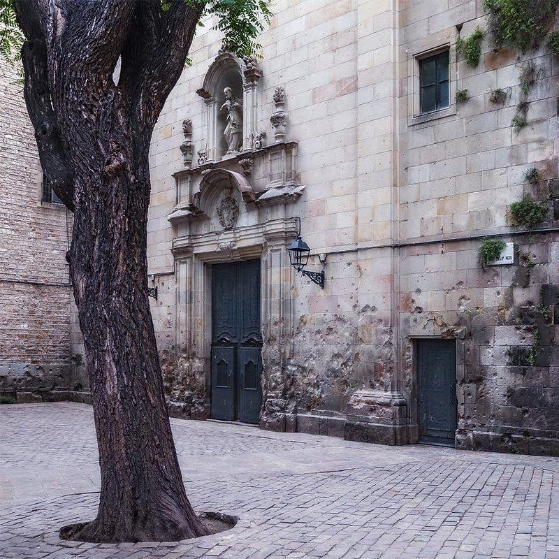 plaza de san felipe neri, barcelona, spainphoto preview