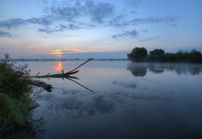 одно утро на Москва рекеphoto preview