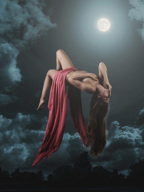 Девушка, Летает, Луна, Ночь, Ню, Облака, Полёт photo preview
