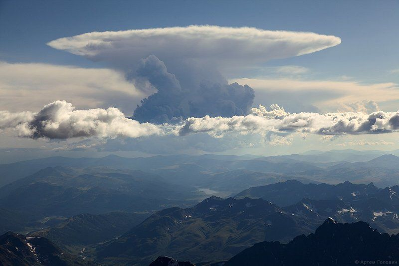 Алтай, Облако Грибовидное облако над озером Язовоеphoto preview