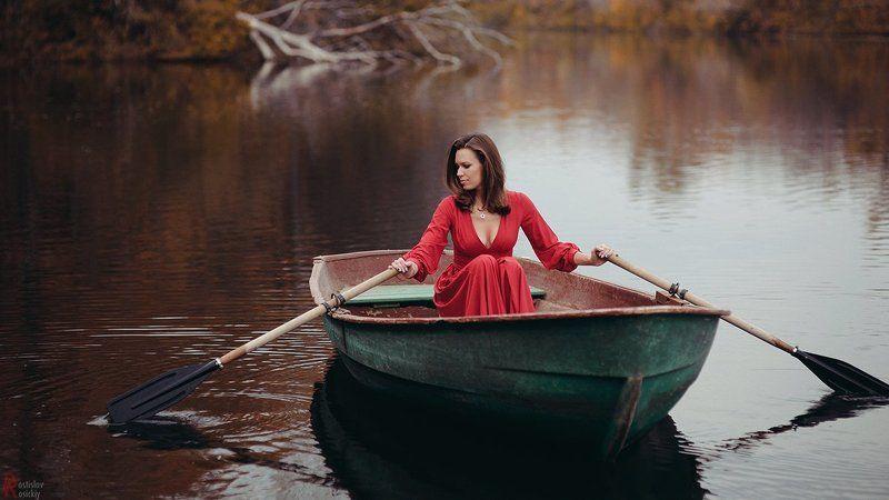 Девушка лодка, Портрет гламур ростислав росицки deep waterphoto preview