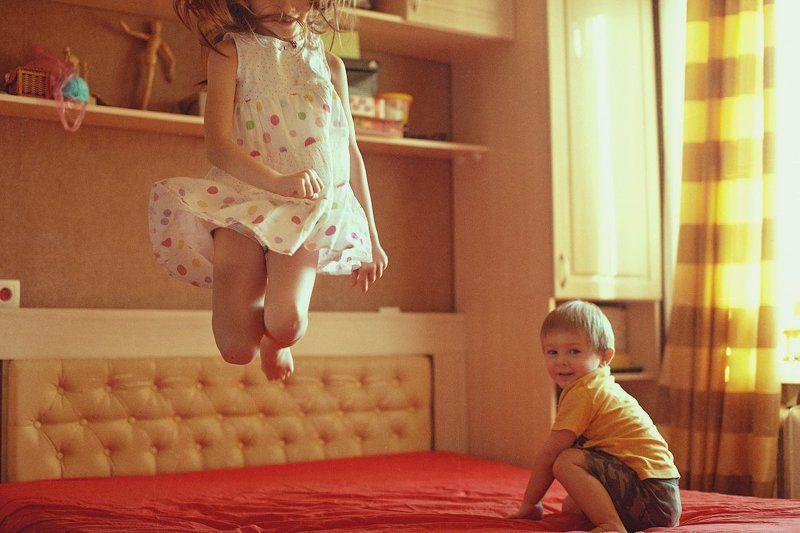 дети, полет, прыжок ***photo preview