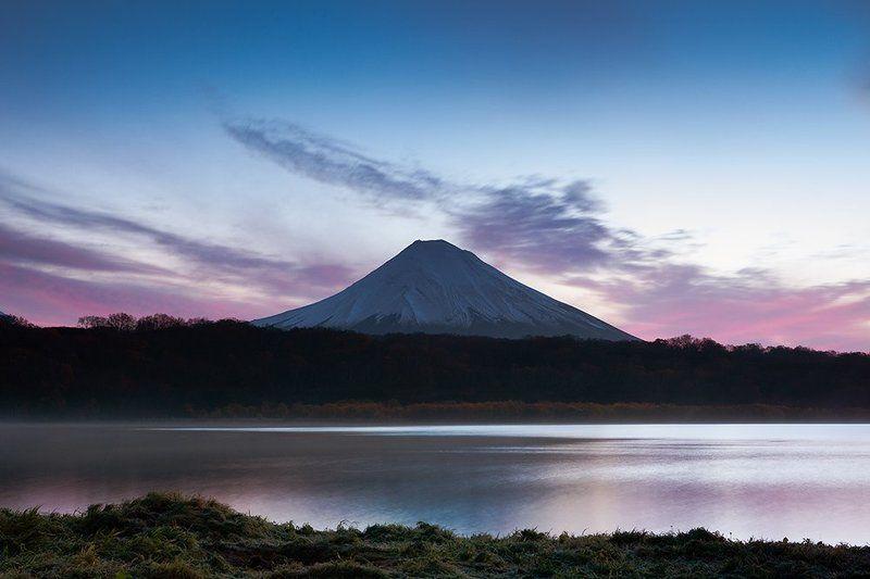 камчатка, курильское озеро Рассвет на Курильском озереphoto preview