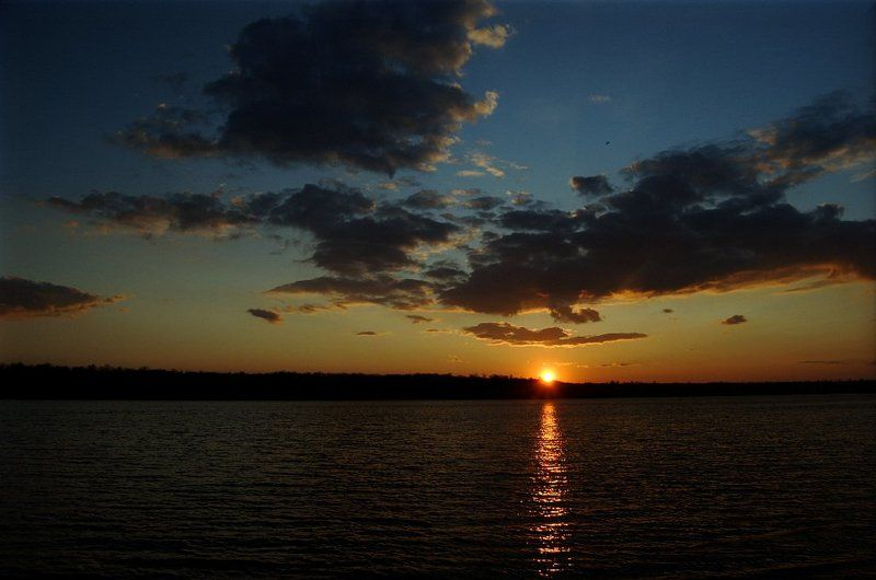 Солнце, небо и рекаphoto preview
