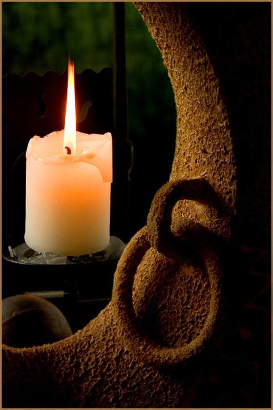 свеча,натюрморт,ваза Не гасите всечу, пусть горит до конца...photo preview