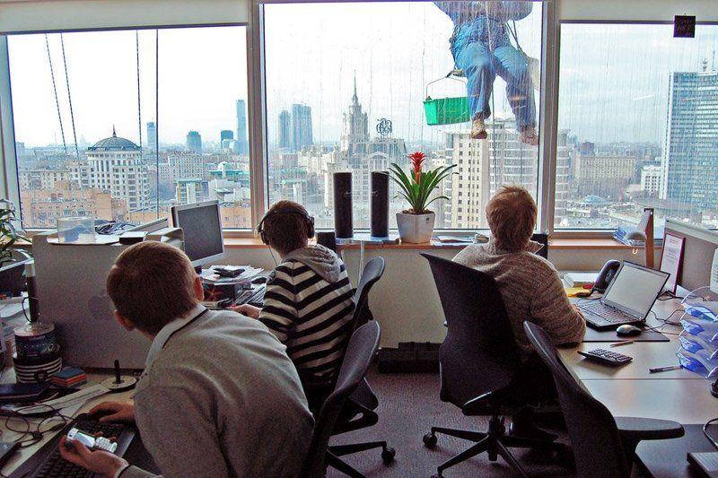 окно, офис, весна, город в офисеphoto preview
