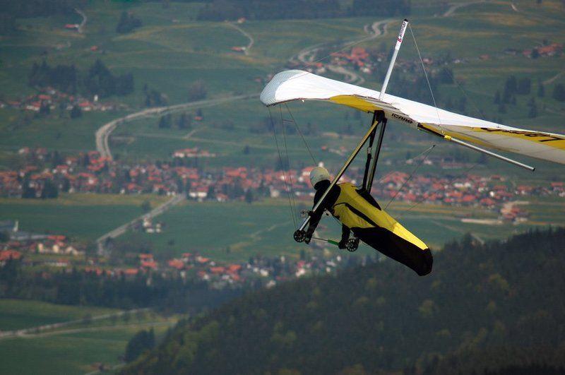 дельтаплан, германия, бавария, высота Полет над баварской деревнейphoto preview
