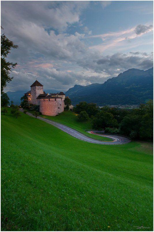 Вадуц, Замок, Лихтенштейн Вадуцphoto preview