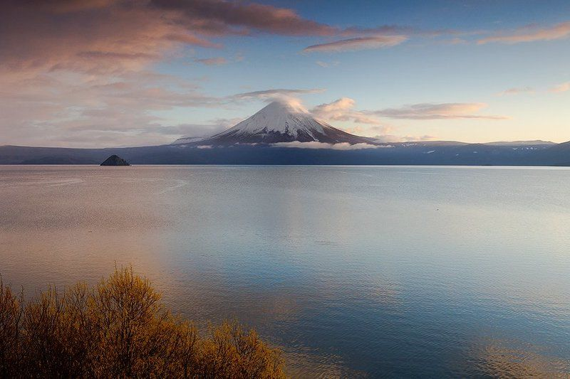 озеро, вулкан, камчатка Утро на Курильском озереphoto preview