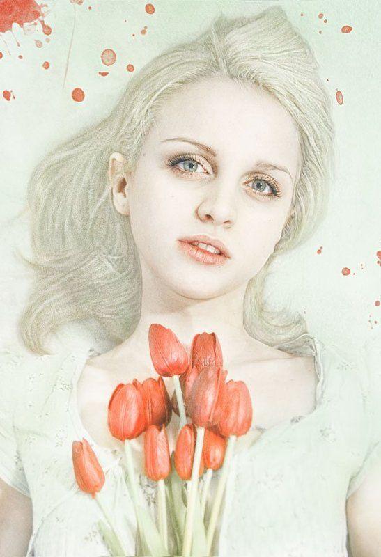 Девушка с тюльпанамиphoto preview