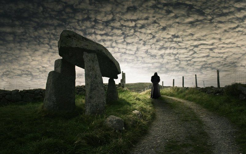 Legananny dolmen, Northern Ireland Awaitingphoto preview