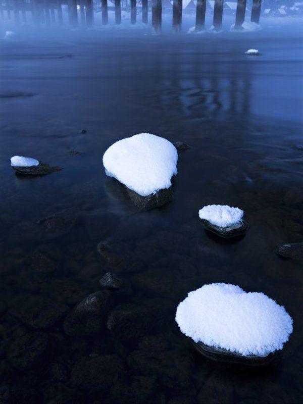 туман над водой. телецкое озеро, республика алтайphoto preview