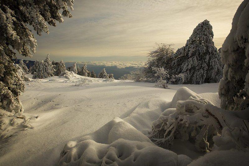 Крым. пейзаж. горы. зима. небо. Зимняя...photo preview
