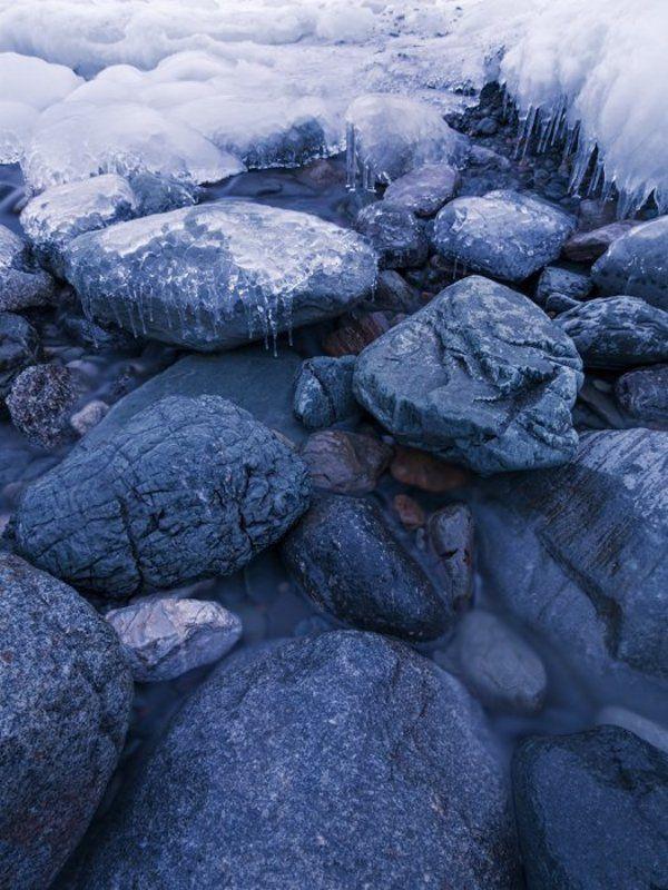 лед и камень. телецкое озеро, республика алтайphoto preview