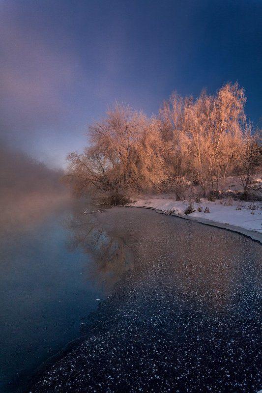 Деревья, Зима, Иней, Мороз, Небо, Река, Туман Бисером белым, речкой туманной, день мой начался холодной зимой...photo preview