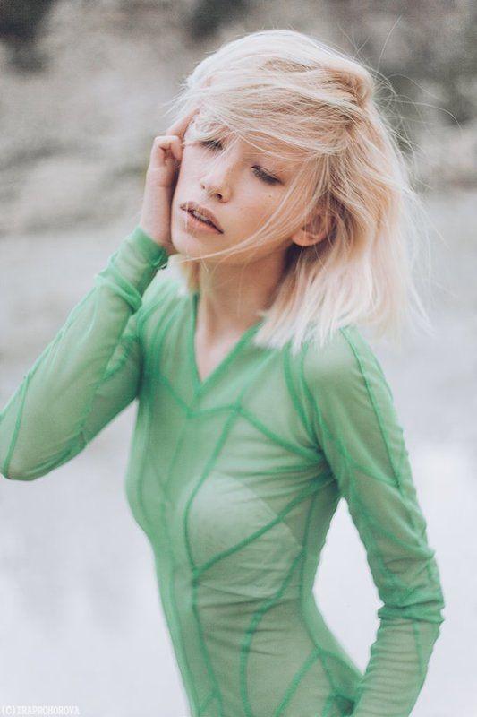 Yana (Green)photo preview