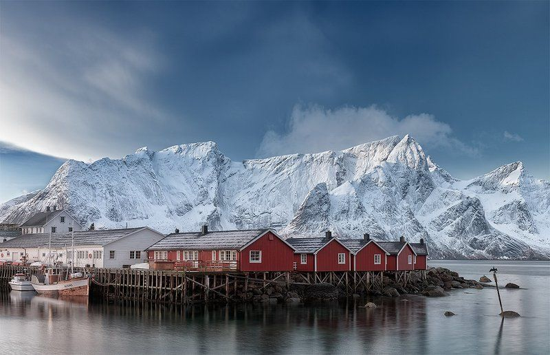 Hamnoya, Norway, Reine Про красные домики, белые горы и баклана на палочке...photo preview