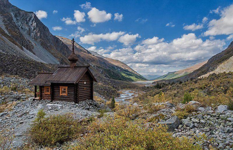 В память о погибших альпинистахphoto preview