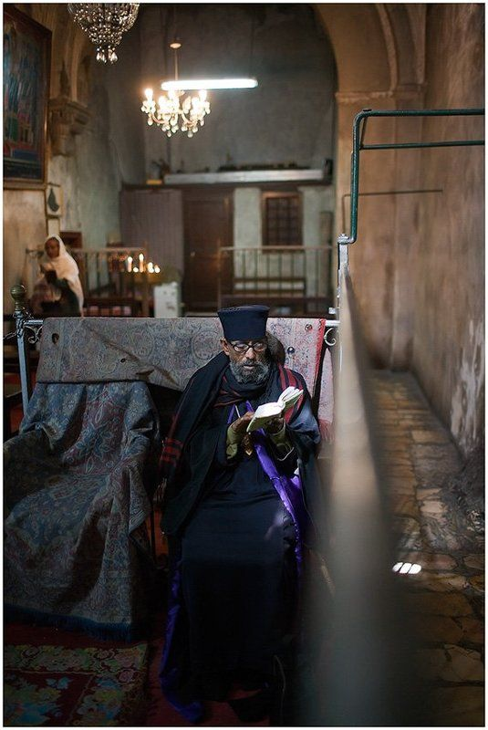Будни в Храме Гроба Господняphoto preview