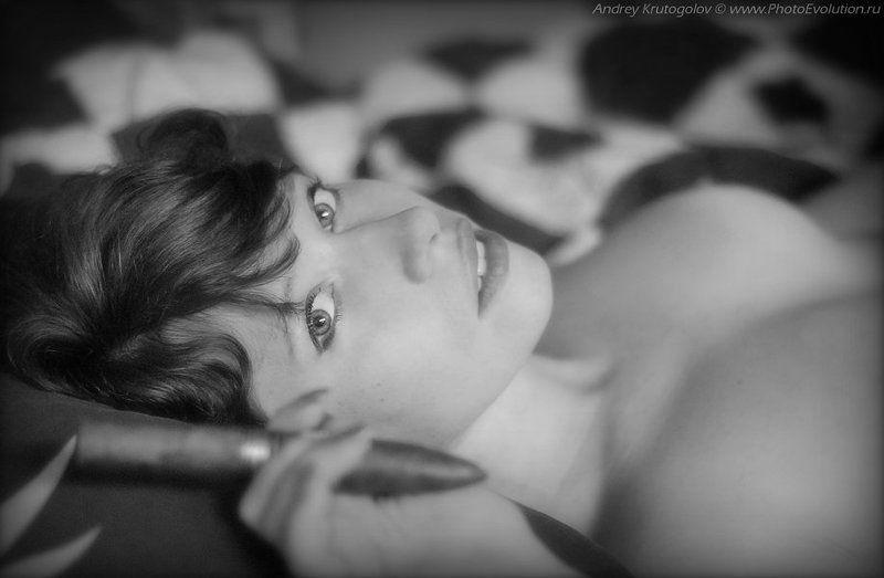 прилюдия, огонь, взгляд, желание, возбуждение, секс, эротика, красота, портрет, курить, сигара,  удовольствие Зажги...photo preview