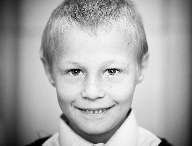 Мальчишка из школы-интернатаphoto preview