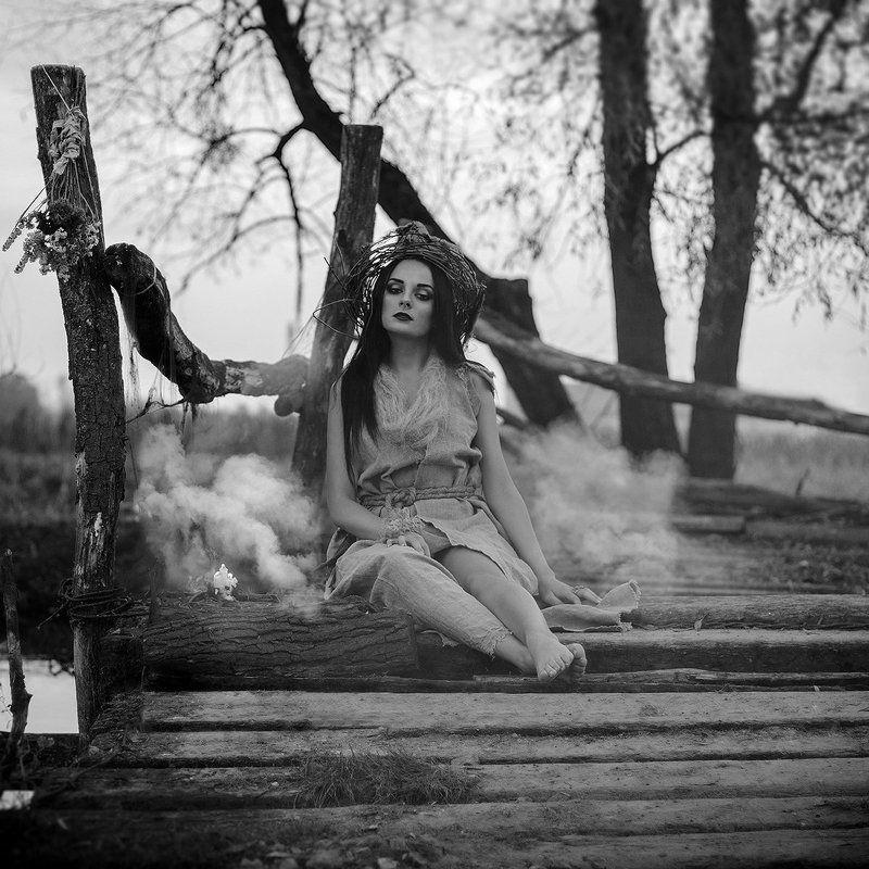 ведьма, девушка, мистика, мост, речка the Witchphoto preview