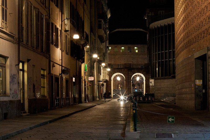 Италия, Турин, город, ночь, огни ...empresses of the night...photo preview