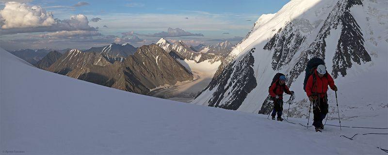 менсу, альпинисты, горы, алтай На верхнем плато ледника Менсуphoto preview