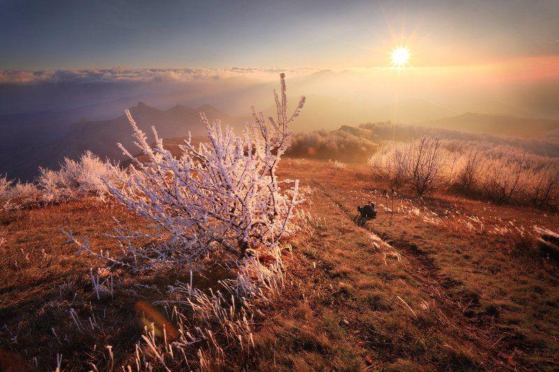 Закат, Иней, Крым горы Прохладный вечер с теплым светомphoto preview