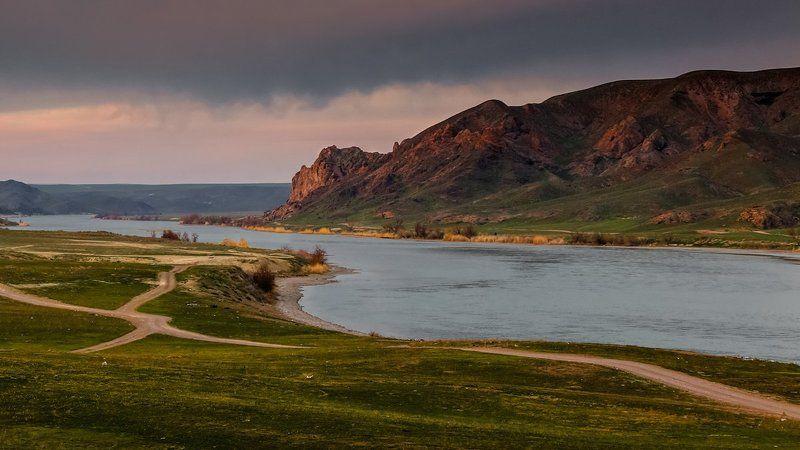 река или, скалы, тамгалы тас Тамгалы Тас - Писанные скалыphoto preview
