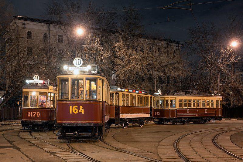 Мосгортранс, Москва, Московский трамвай, трамвай Одним дорога Млечный путь, другим - трамвайное кольцо.photo preview