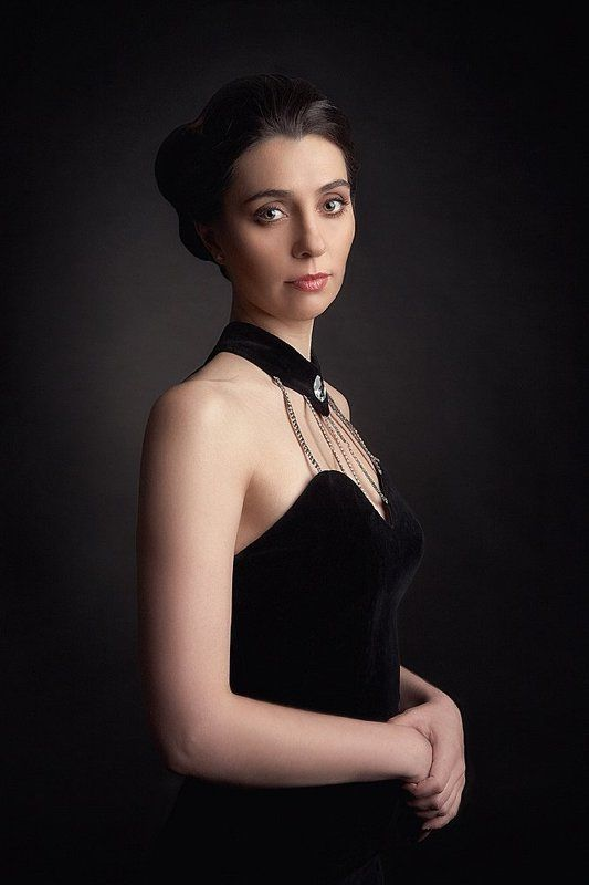 Portrait of a young woman... (Vlada...)photo preview
