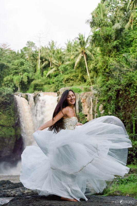 путешествие, свадьба, невеста, образ, девушка, платье, елен цай, elen tsay, бали, wedding, счастьее, нежность, любовь, азиатка, грация, красота, водопад, культура, традиции ...танцующий лотос...photo preview