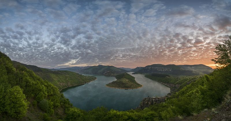 българия, язовир кърджали Плотины Кърджалиphoto preview