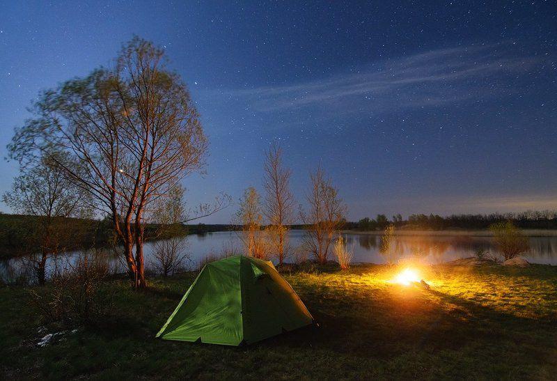 река, Сугоклей, ночь, звезды, луна, Венера, ивы, трава, палатка, костер, камни Под защитой луныphoto preview