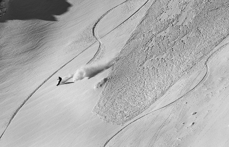 avalange, bulgaria, mountain, snow, snowboard Run for your lifephoto preview