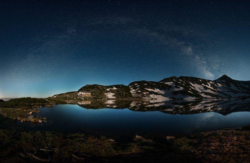 Млечный Путь над гор Рилаphoto preview